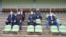 Offizielle Sitzprobe der neuen Sitzschalen im Jahnstadion